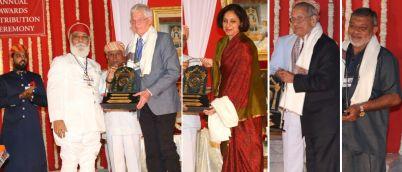 Shriji Arvind Singh Mewar presenting awards during ceremony